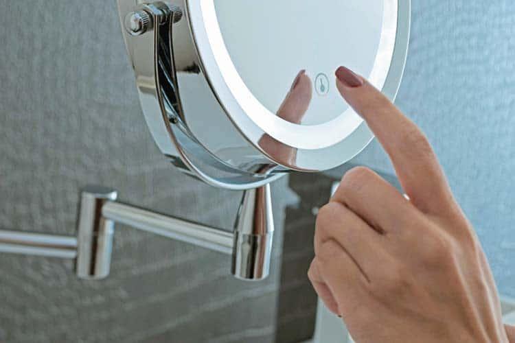 Les Meilleurs Miroirs Grossissants Comparatif Guide D Achat